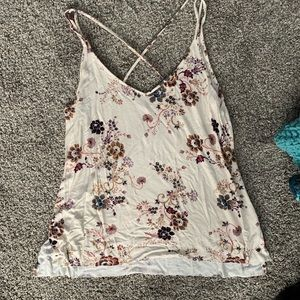 Fun 🌸-y tank top from American Eagle Outers 🦅